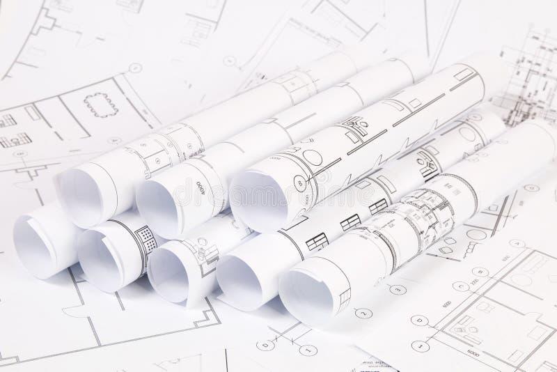 Dibujos y modelos de la casa de la ingeniería imágenes de archivo libres de regalías