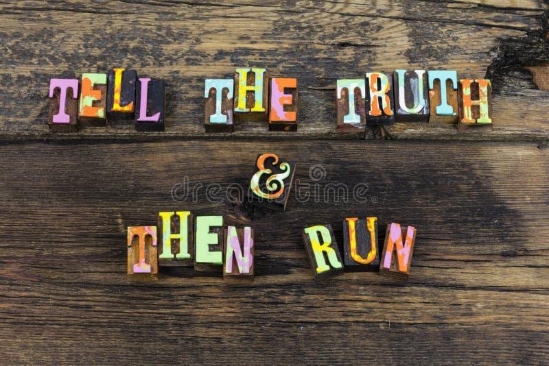 Dica lo scritto tipografico di integrità di rispetto dell'onestà di funzionamento della verità immagini stock libere da diritti