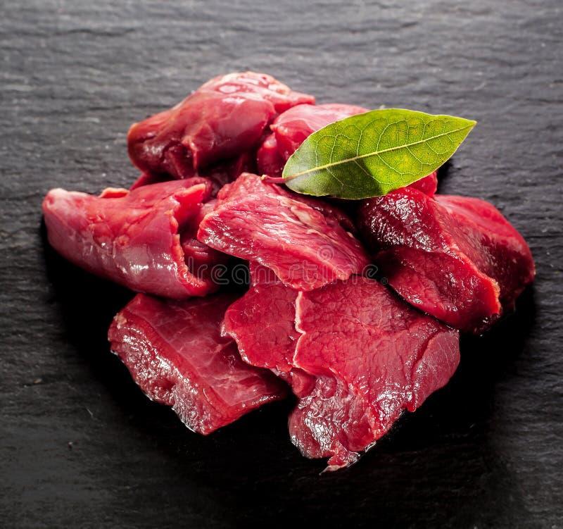 Diced jeleni stek dla dziczyzny goulash obrazy stock