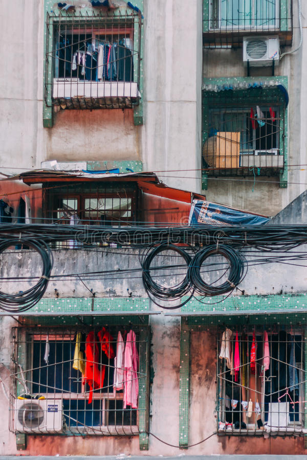 22, dicembre 2015, Chong che qing - la città ammucchiata nebbiosa, costruzione locale i immagini stock