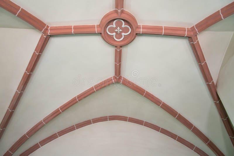 Dicht van de plafonddecoratie omhoog geschoten op middeleeuwse Klokketoren stock afbeelding