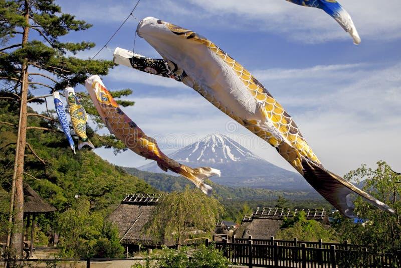 Dichtbijgelegen Koinbori zet Fuji op royalty-vrije stock foto