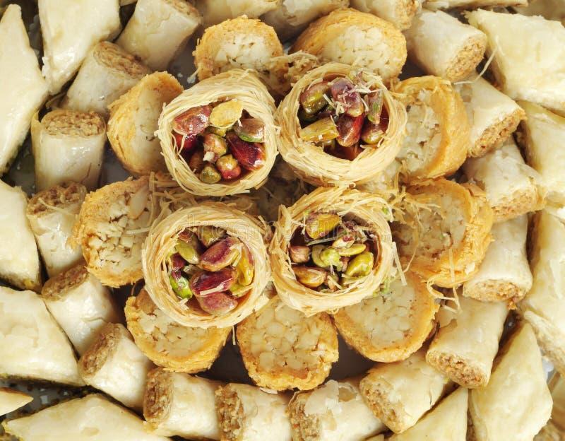 Dichte mening van Arabische snoepjes Baklava stock afbeelding