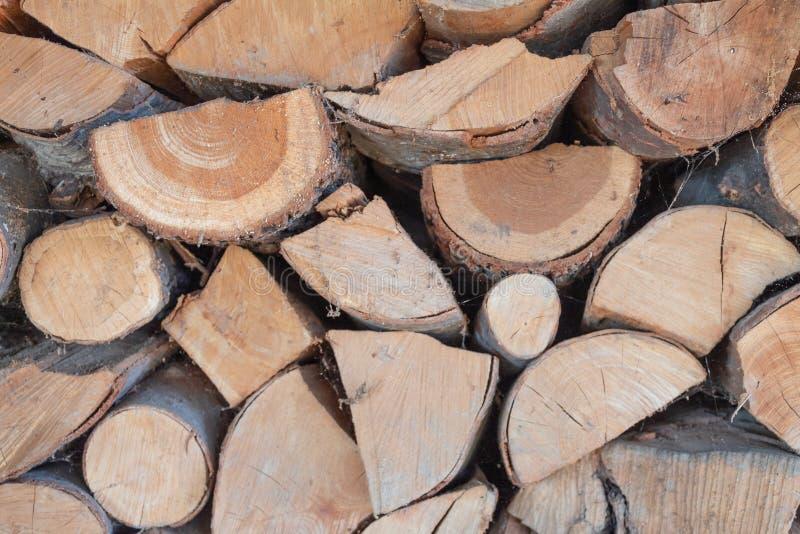 Dichte mening van een stapel van brandhout royalty-vrije stock afbeelding