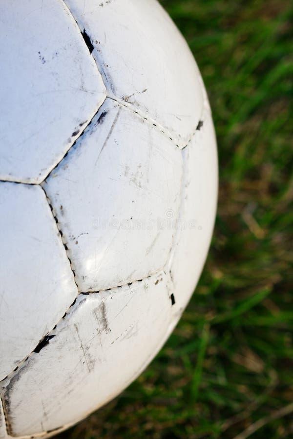 Dichte omhooggaand van de Bal van het voetbal stock foto's