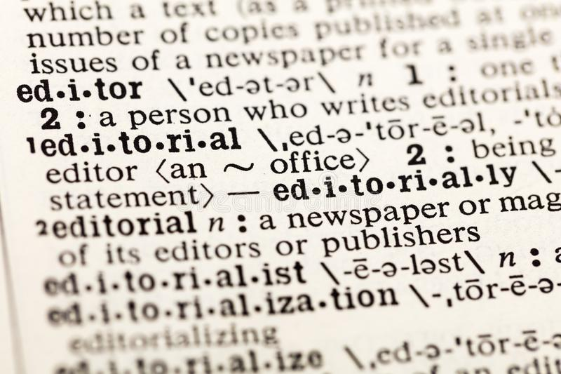 Dicionário editorial do jornal da notícia do escritório de editor fotografia de stock
