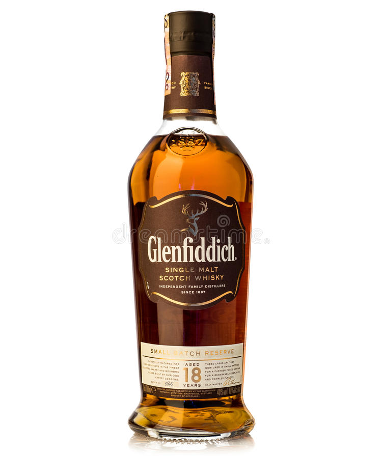 Diciotto anni scelgono il glenfiddich del whiskey scozzese del malto immagini stock libere da diritti