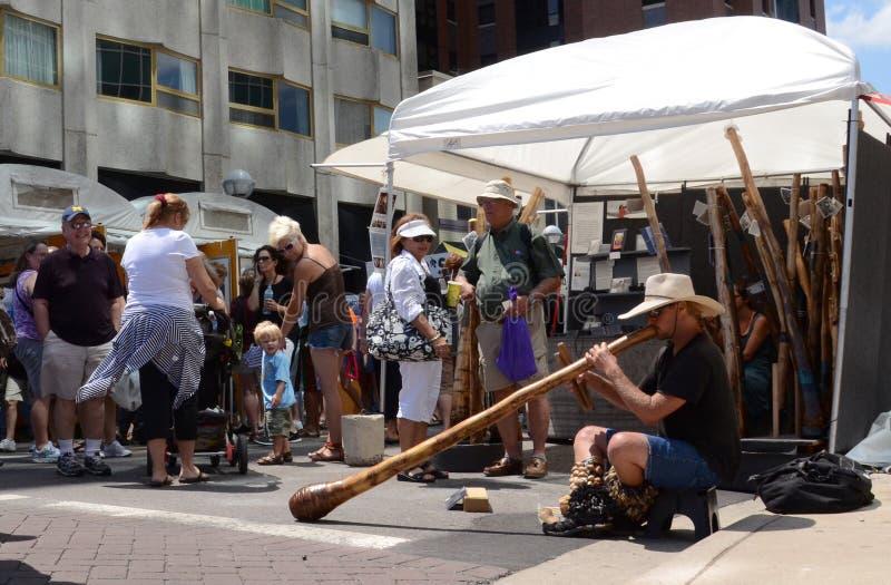Didgeridoo Spieler lizenzfreies stockfoto