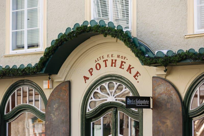 Die älteste Apotheke in Salzburg stockfoto