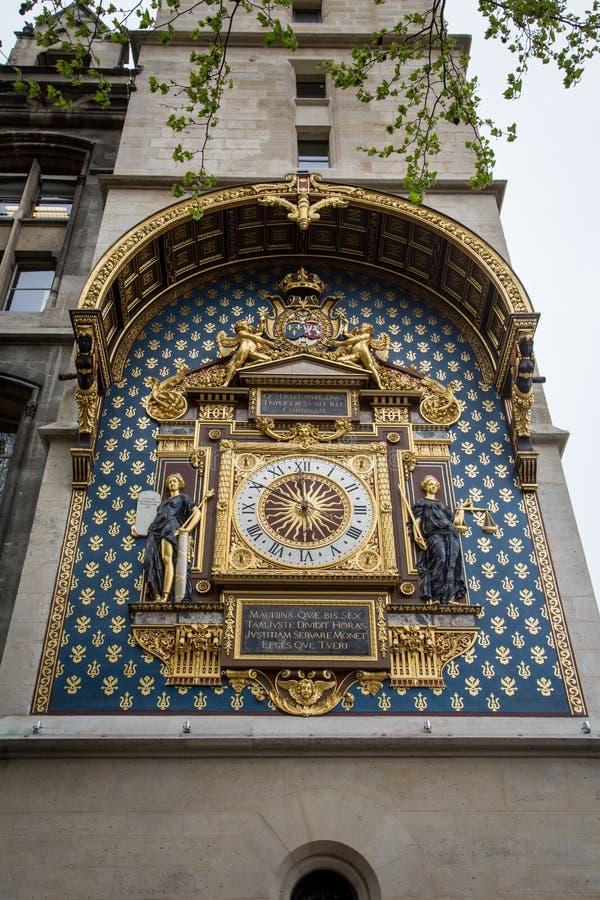 Die älteste Normaluhr in Frankreich ist auf Palais de la Cité, Paris lizenzfreie stockbilder