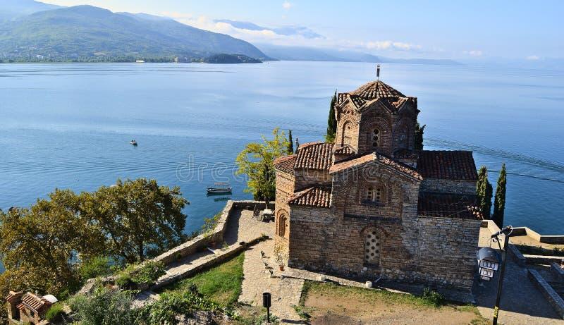 Die 'Kirche von Johannes an Kaneo 'und am Ohrid See in Mazedonien lizenzfreie stockbilder