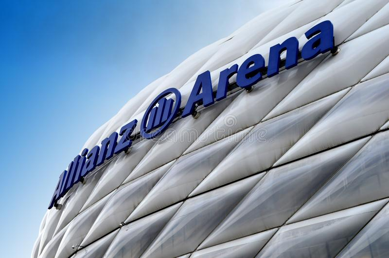Die Allianz-Arena, eins der besten Stadien in Europa stockbild