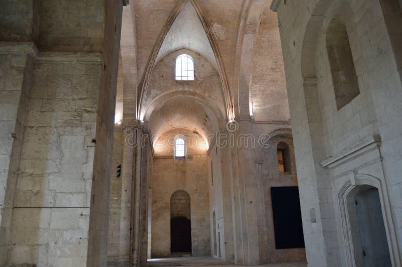 Die alte Abtei von Montmajour stockbilder