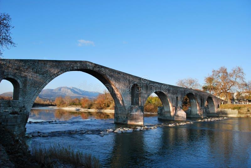 Die alte Brücke von Arta lizenzfreie stockfotos