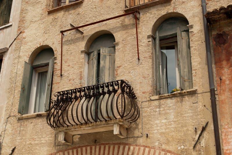 Die alte Stadt des Antiquitätenhandels stockbilder