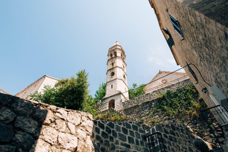 Download Die Alte Stadt Von Perast Auf Dem Ufer Von Kotor-Bucht, Montenegro Th Stockbild - Bild von berg, promenade: 90233501