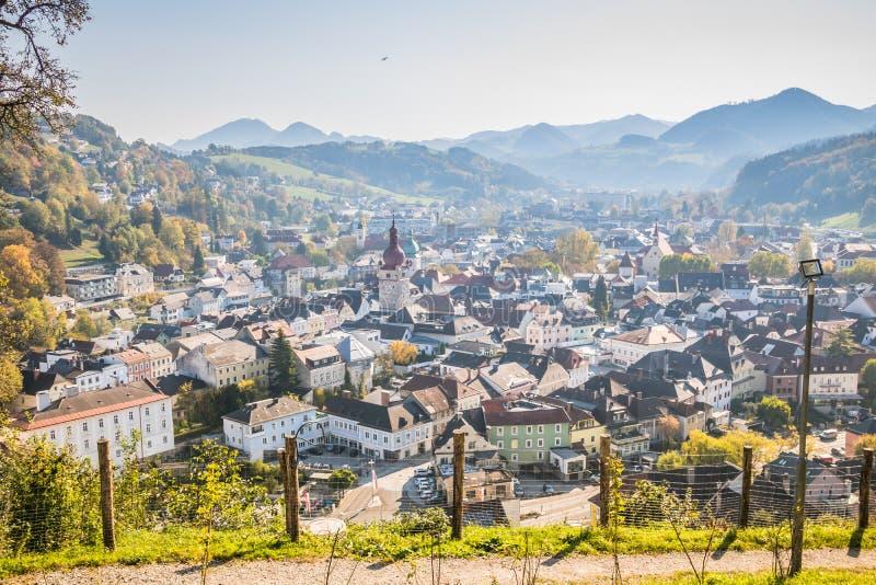 Die alte Stadt von Waidhofen ein der Ybbs im Herbst, Mostviertel, Niederösterreich, Österreich lizenzfreies stockfoto