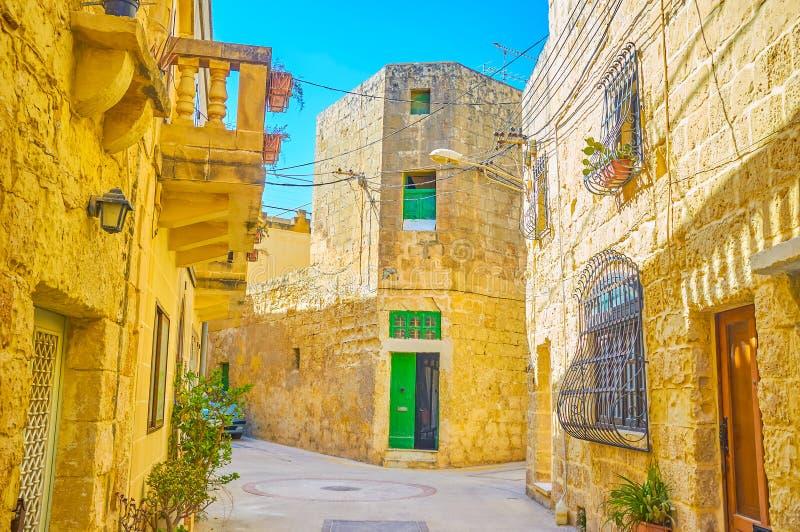 Die alte Straße in Naxxar, Malta lizenzfreie stockfotos