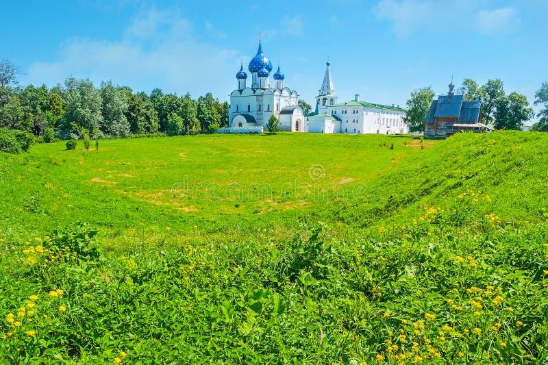 Die alten Wellen von Suzdal der Kreml stockfotos