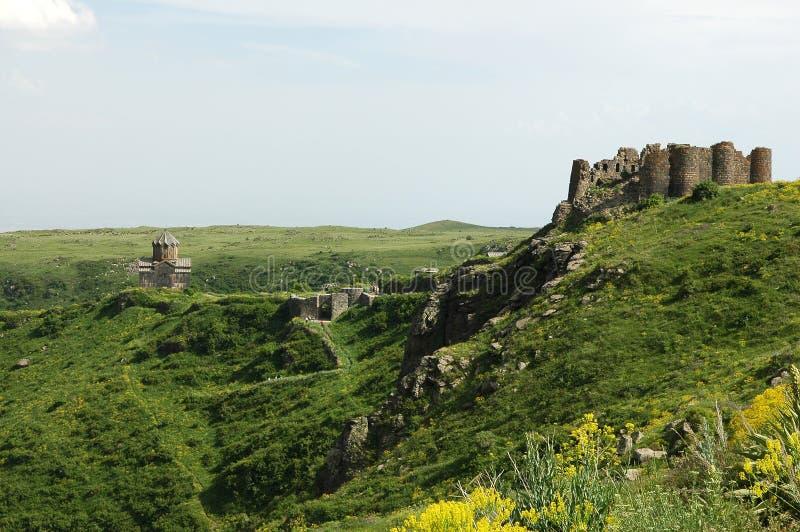 Die Amberd Festung und die Kirche lizenzfreies stockbild