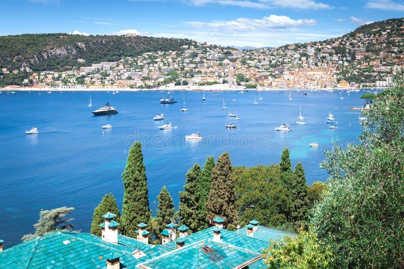 Die Ansicht des Villefranche-sur-Mer stockfotos
