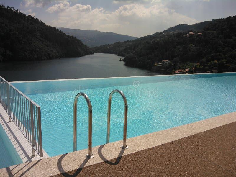 Die Ansicht Duero-Flusses lizenzfreies stockbild
