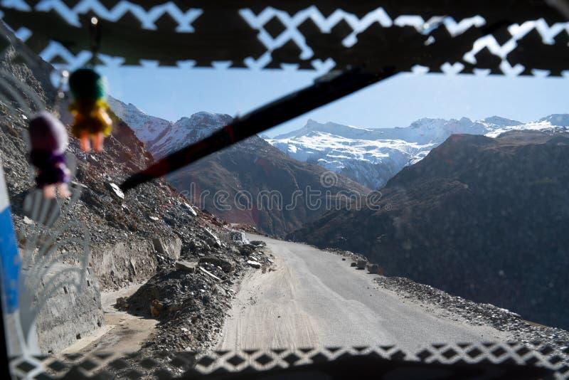 Die Ansicht vom Passagierfenster lizenzfreies stockfoto