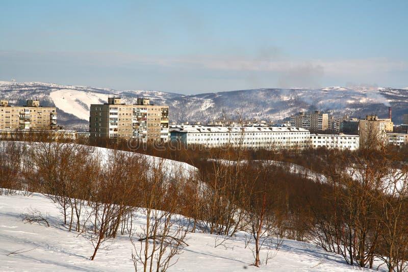 Die Ansicht von Murmansk-Stadt, Russland von Alyosha-Monument lizenzfreie stockfotos