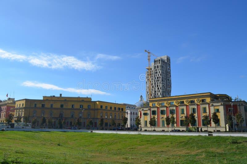 Die Ansicht von Skanderbeg-Quadrat Tirana, Albanien stockbild