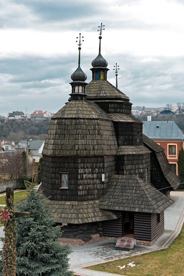Die Ansicht zur Kirche der Besteigung, Chortkiv, Ukraine lizenzfreies stockbild