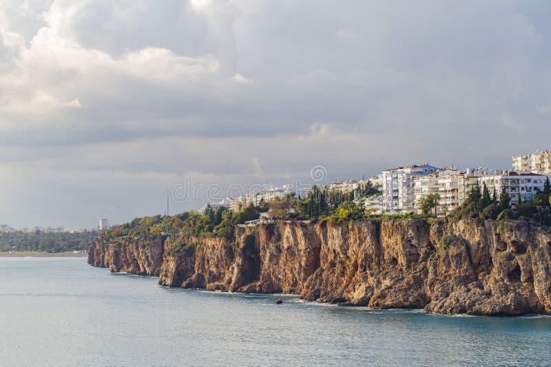 Die Antalya-K?stenlinien- und -stadtansichten stockfoto