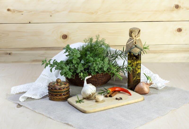 Die aromatischen Kräuter lizenzfreie stockbilder