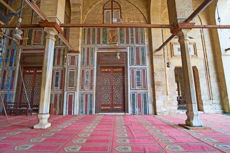 Die aufwändige Tür der Al--Muayyadmoschee, Kairo, Ägypten lizenzfreies stockfoto