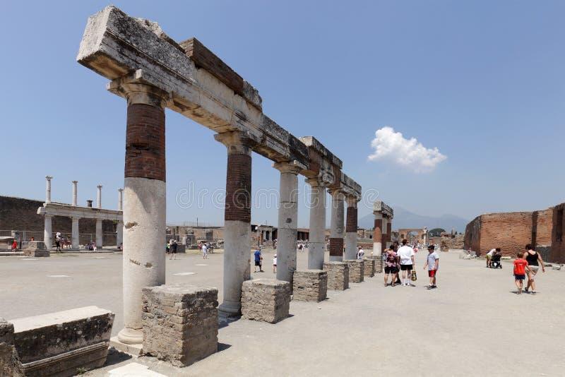Die ausgegrabenen Ruinen von Pompeji-Stadt lizenzfreie stockfotos