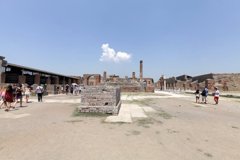 Die ausgegrabenen Ruinen von Pompeji-Stadt stockbild