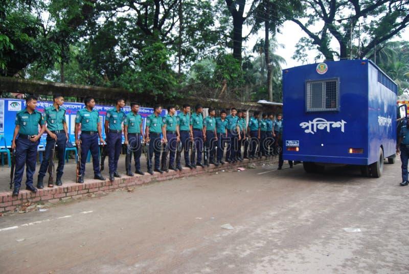 Die Bangladesch-Polizei ist die Hauptvollzugsbehörde von Bangladesch stockbilder