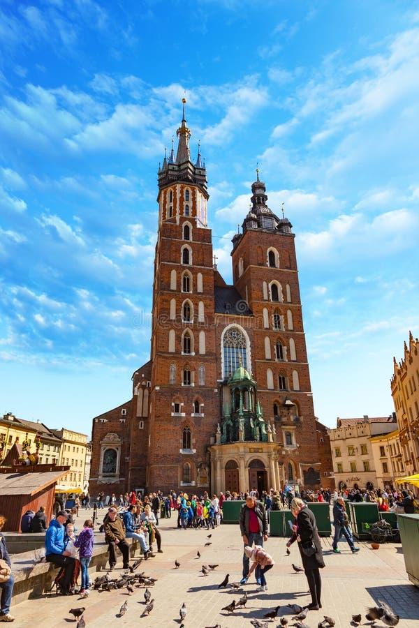 Die Basilika der Heiliger Maria in Krakau, Polen lizenzfreie stockbilder