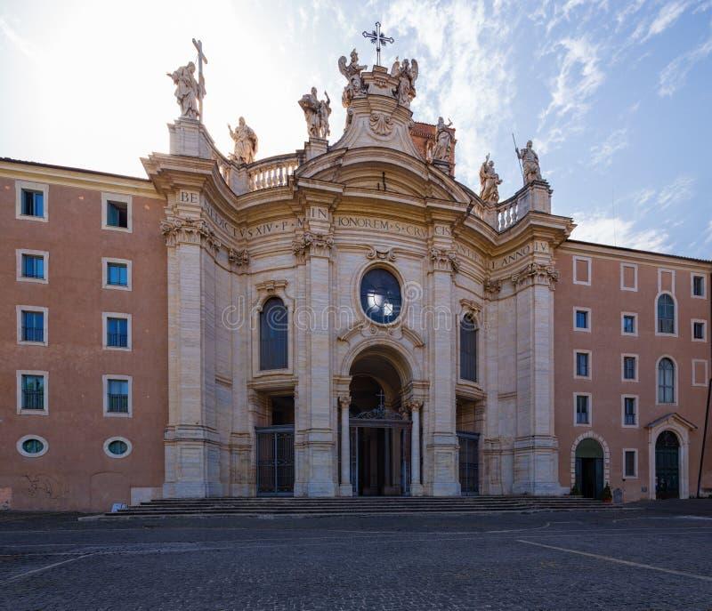 Die Basilika des Heiligen Kreuzes in Jerusalem, Rom, Italien lizenzfreie stockbilder