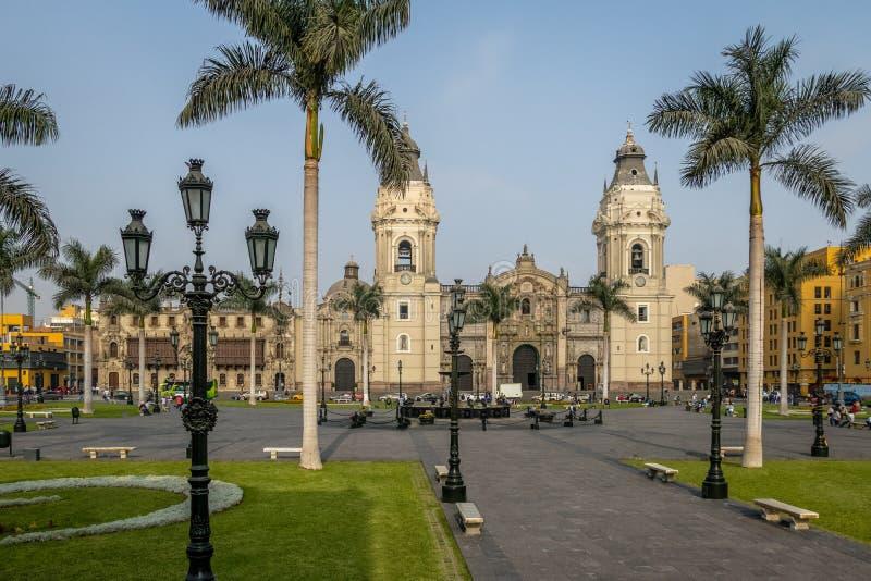 Die Basilika-Kathedrale von Lima an Piazza-Bürgermeister - Lima, Peru stockbild