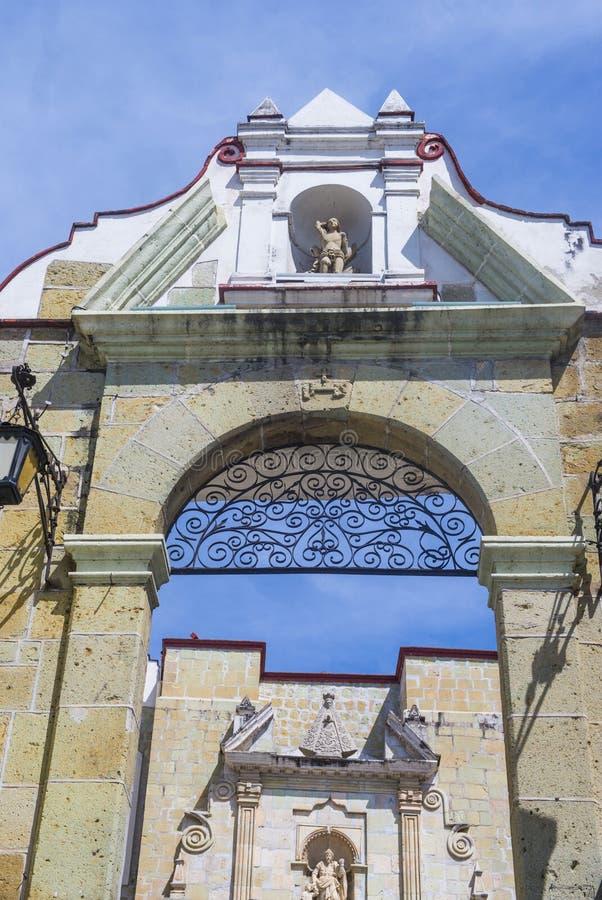 Die Basilika unserer Dame der Einsamkeit in Oaxaca Mexiko lizenzfreie stockbilder