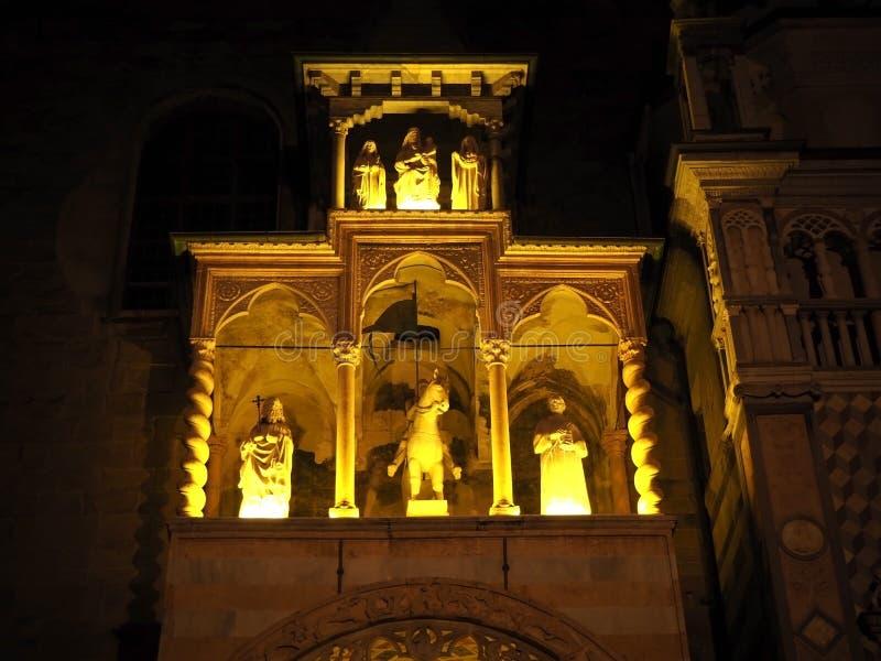 Die Basilika von Santa Maria Maggiore ist eine Kirche in Bergamo, eins der schönen Stadt in Italien lizenzfreie stockbilder