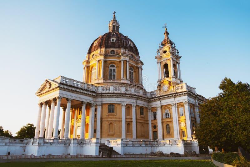 Die Basilika von Superga bei Sonnenuntergang Piemont, Italien stockbilder