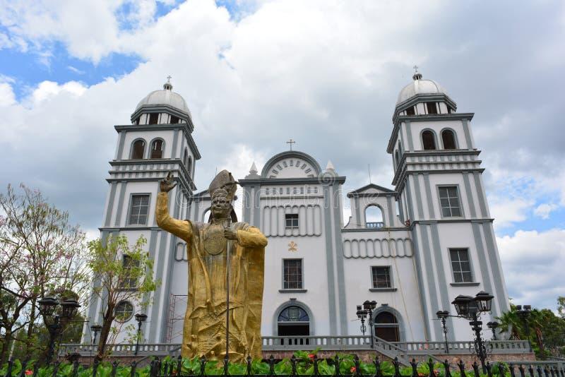 Die Basilika von Suyapa-Kirche in Tegucigalpa, Honduras lizenzfreie stockbilder