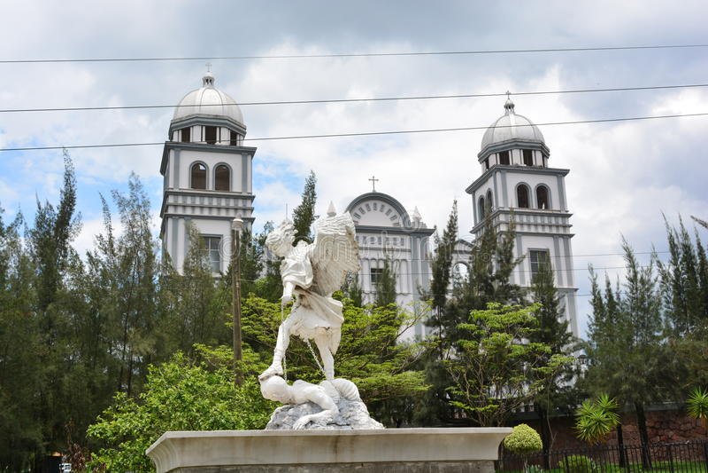 Die Basilika von Suyapa-Kirche in Tegucigalpa, Honduras lizenzfreies stockfoto