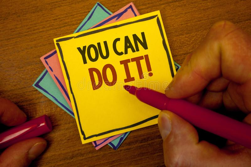 Die Begriffshandschrift, die Sie zeigt, kann es tun Motivanruf Geschäftsfototext inspirierend Mitteilungs-Motivpositiv T lizenzfreie abbildung