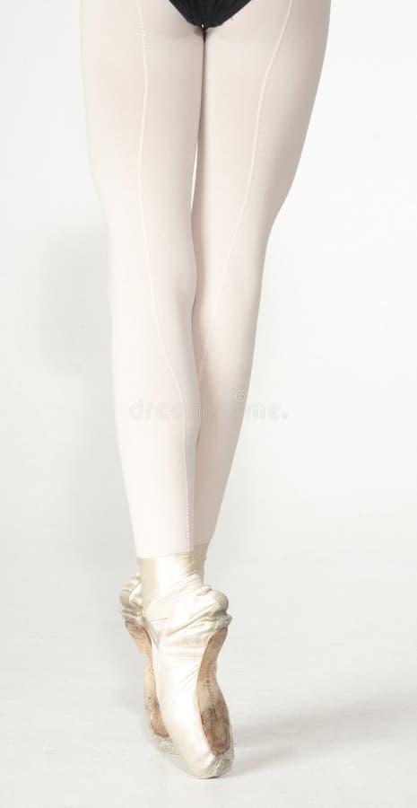 Die Beine der Ballerina lizenzfreies stockfoto
