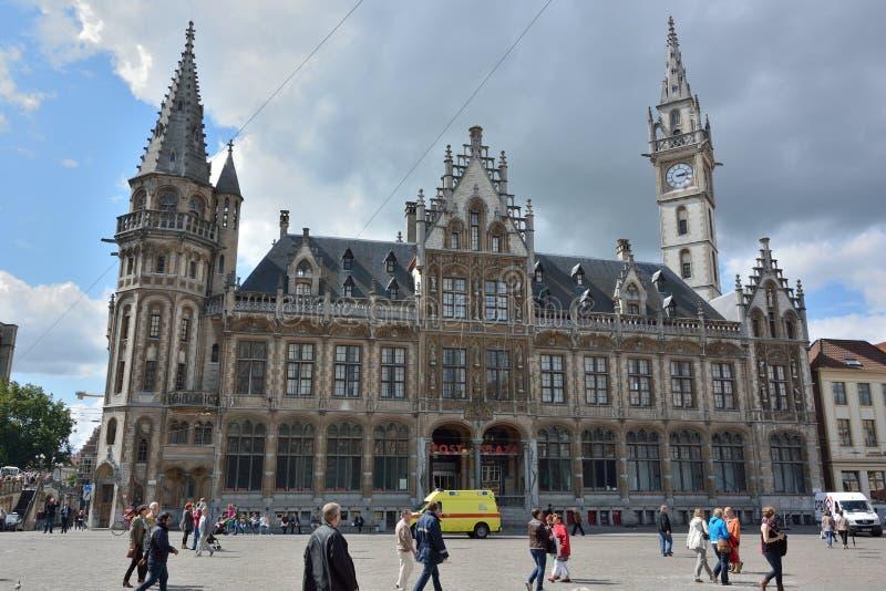 Die Beitragpiazza in Gent lizenzfreies stockfoto
