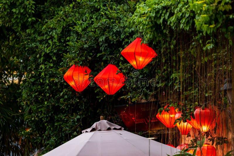 Die beleuchteten Straßen mit Lantern von Hoi An in Vietnam lizenzfreie stockfotografie