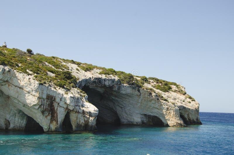 Die ber?hmten blauen H?hlen in Zakynthos-Insel stockbild