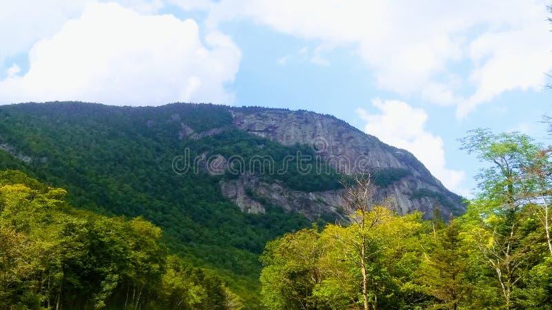 Die Berge nennen stockfotografie